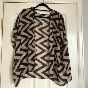 Short Sleeve Shawl Top